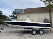 New 2019 Robalo 206 Cayman Bay Boat