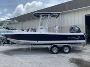 New 2021 Robalo 226 Cayman Bay Boat for sale